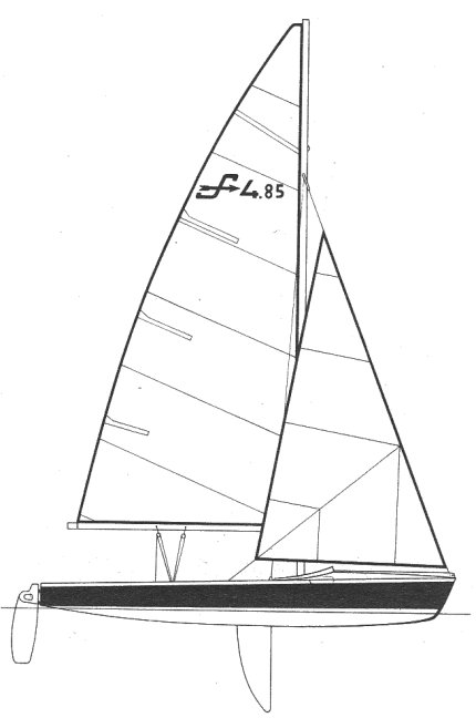 Simoun 485 drawing on sailboatdata.com