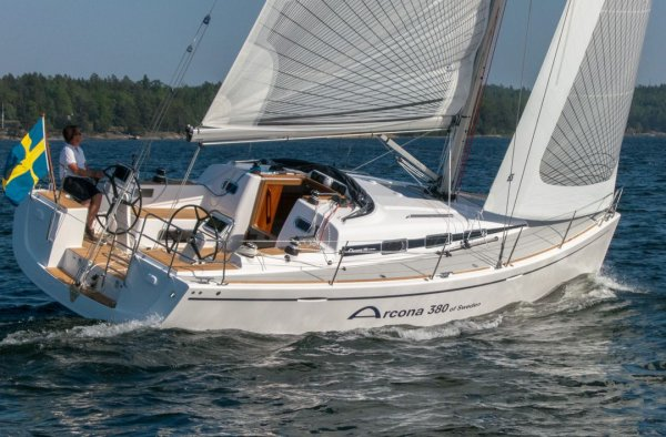 Arcona 380 photo on sailboatdata.com