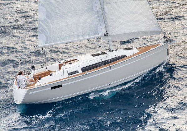 BAVARIA CRUISER 33 photo