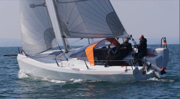 SailboatData  BENTE 24 Sailboat