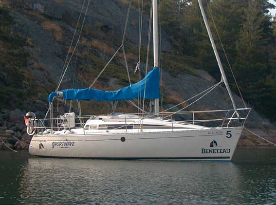 Beneteau 385 photo on sailboatdata.com