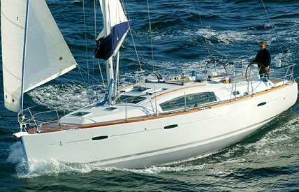 Beneteau 40 photo on sailboatdata.com