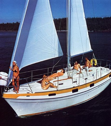 Buccaneer 320 photo  on sailboatdata.com