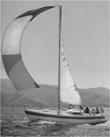 Columbia 34 Mk II photo on sailboatdata.com