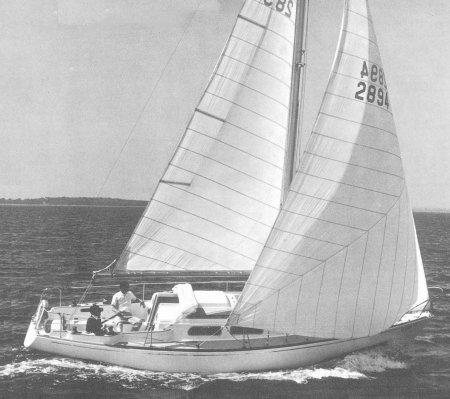 SailboatData.com - PEARSON 33 Sailboat | 450 x 399 jpeg 33kB