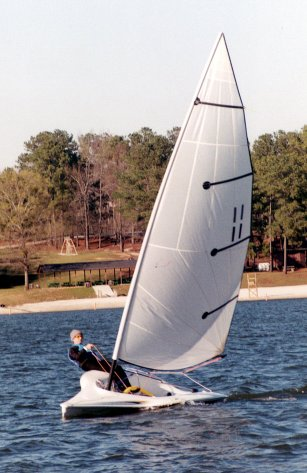Raider 16 photo on sailboatdata.com