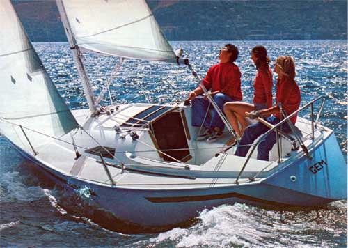Ranger 22 photo on sailboatdata.com