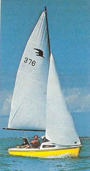 Sunbird 16 photo on sailboatdata.com