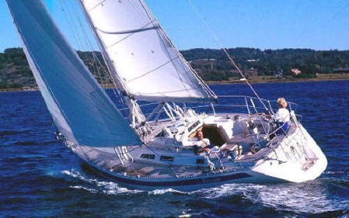 Sweden Yachts 370 _photo on sailboatdata.com