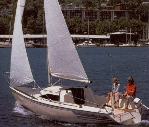 US 21 photo on sailboatdata.com