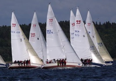 X-99 photo on sailboatdata.com